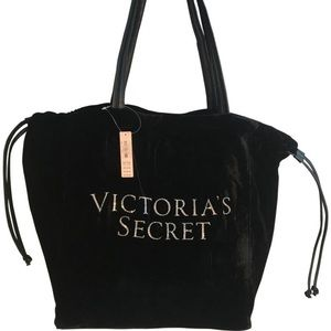 VS Tote and Coconut Set